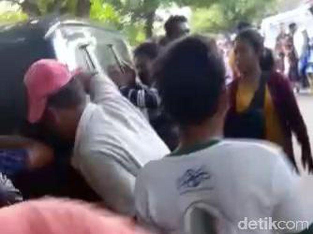 Pasangan Selingkuh di Sampang Mesum Dalam Mobil Jadi Tersangka