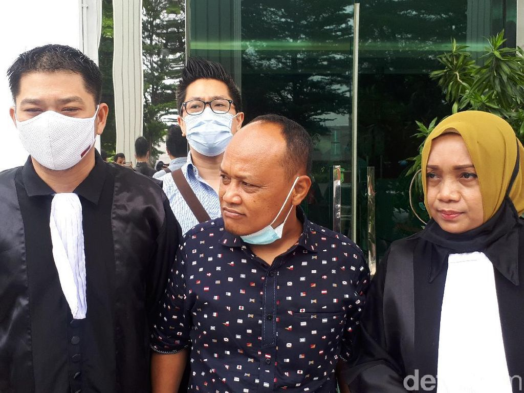 Kuasa Hukum Harap Hakim Tak Lanjutkan Sidang dan Bebaskan John Kei
