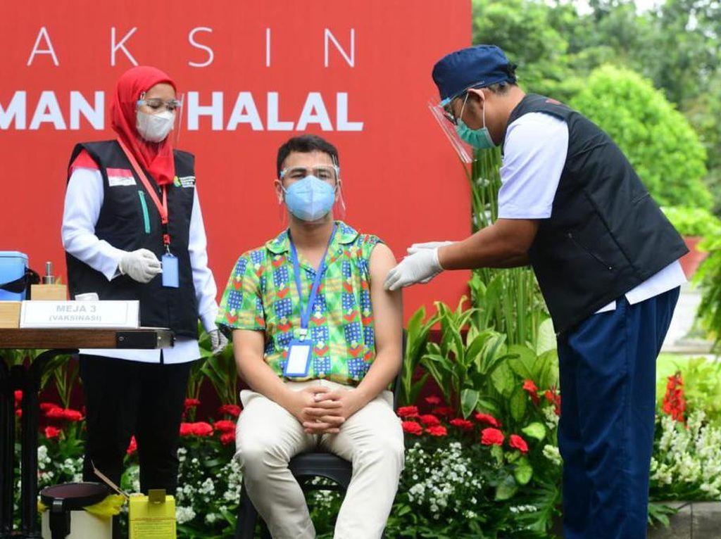 2 Babak Raffi Ahmad dalam Sehari: Ikut Vaksinasi, Absen Sidang Party