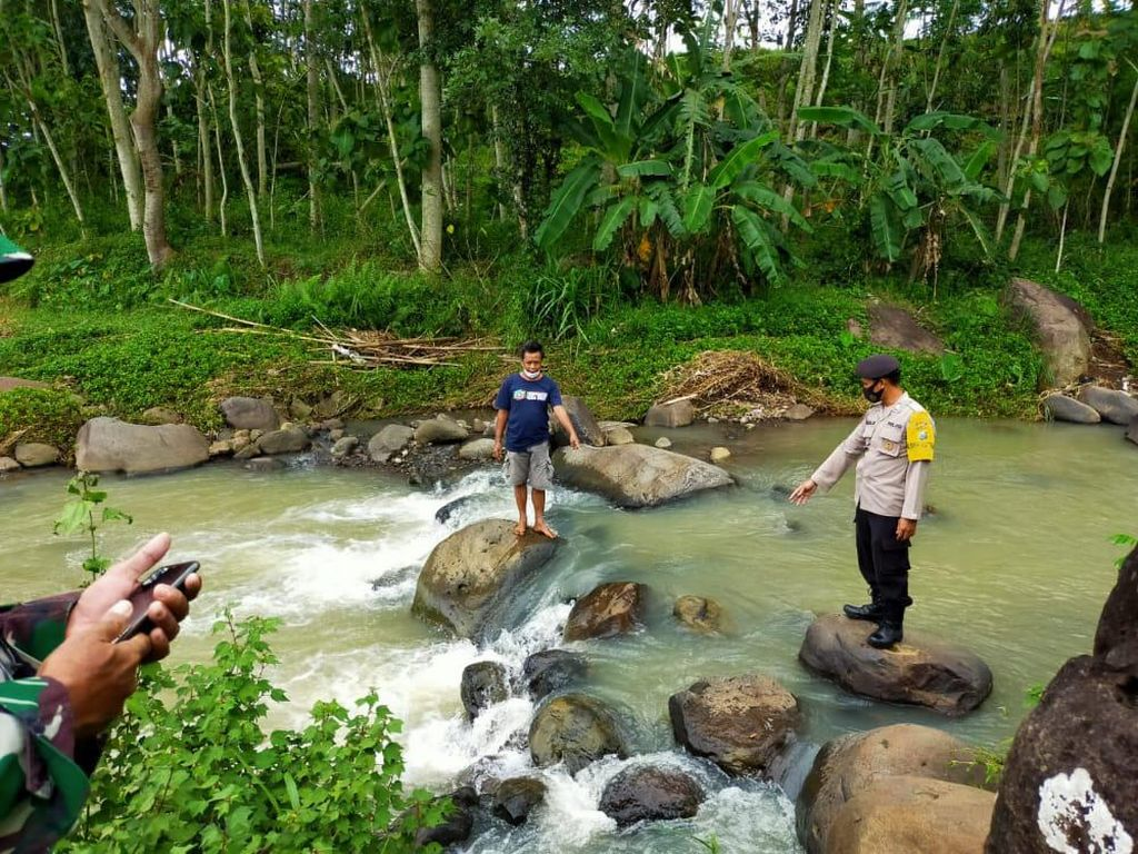 Dalam Sehari Dua Pria Ditemukan Tewas di Sungai Ngawi