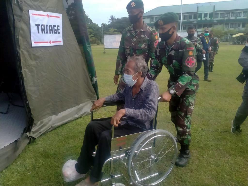 TNI AD Bangun Rumah Sakit Lapangan Bantu Pengobatan Korban Gempa Mamuju