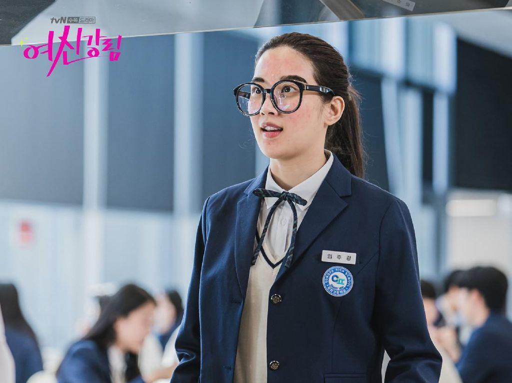 6 Aktris Korea yang Tak Ragu Ubah Total Penampilan demi Karakter