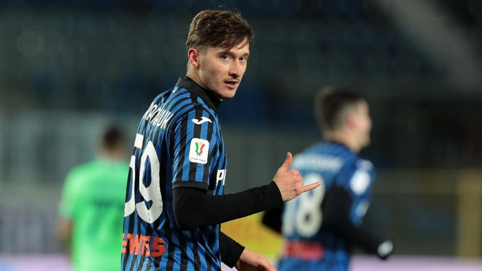 BERGAMO, ITALY - JANUARY 27: Aleksej Miranchuk of Atalanta B.C. celebrates after scoring their sides third goal  during the Coppa Italia match between Atalanta BC and SS Lazio at Gewiss Stadium on January 27, 2021 in Bergamo, Italy. Sporting stadiums around Italy remain under strict restrictions due to the Coronavirus Pandemic as Government social distancing laws prohibit fans inside venues resulting in games being played behind closed doors. (Photo by Emilio Andreoli/Getty Images)