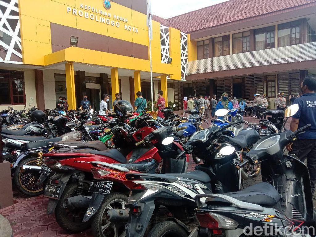 Balap Liar di Kota Probolinggo Dibubarkan, Puluhan Motor Diamankan