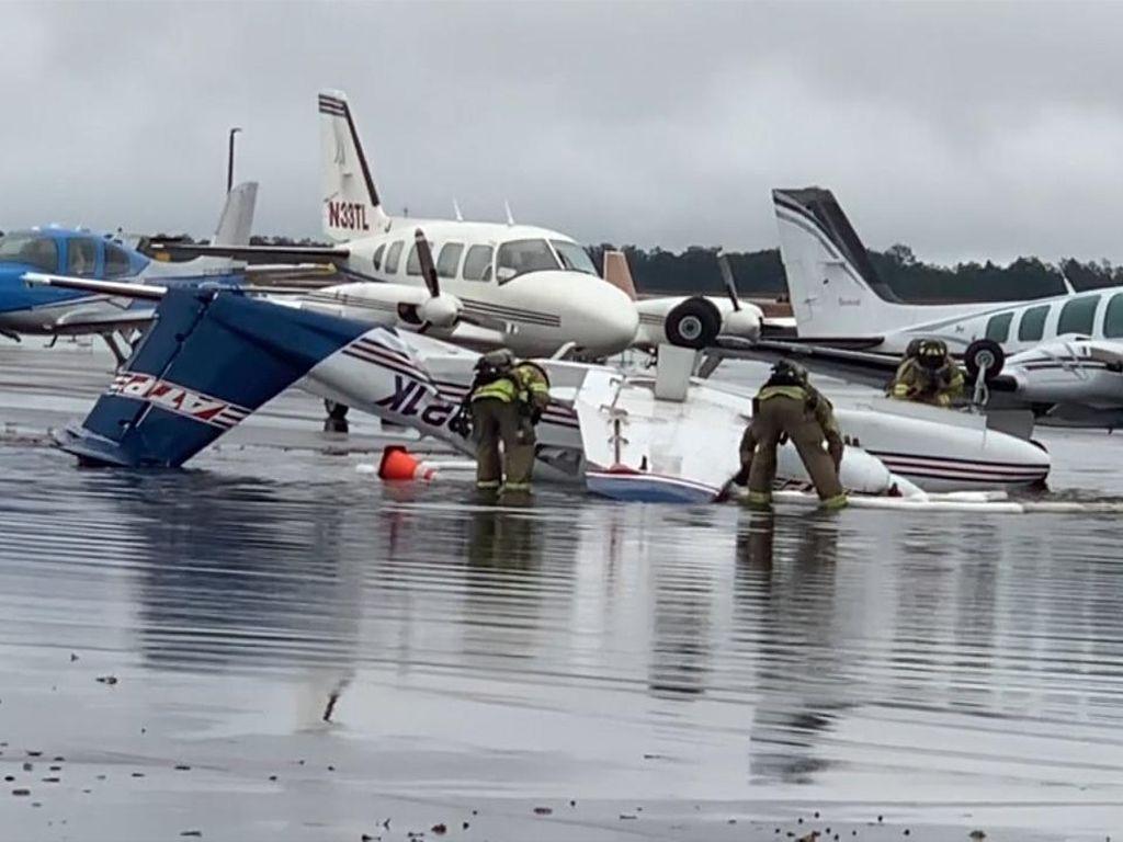 Bandara di AS Diterjang Tornado, Pesawat Terbalik