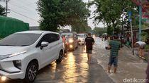 Banjir Rendam Jalur Pantura Probolinggo, Arus Lalin Macet 5 Km