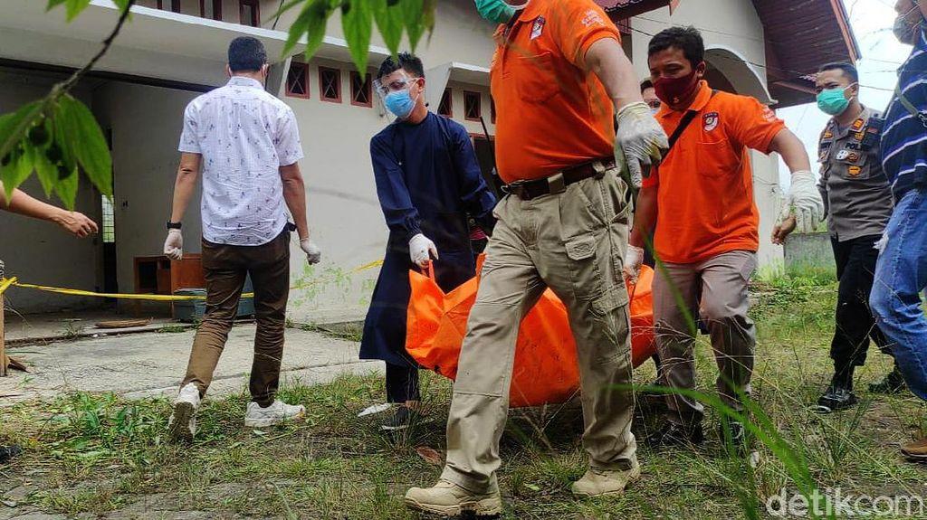 Polisi Evakuasi Jenazah yang Tewas Terbakar di Pekanbaru