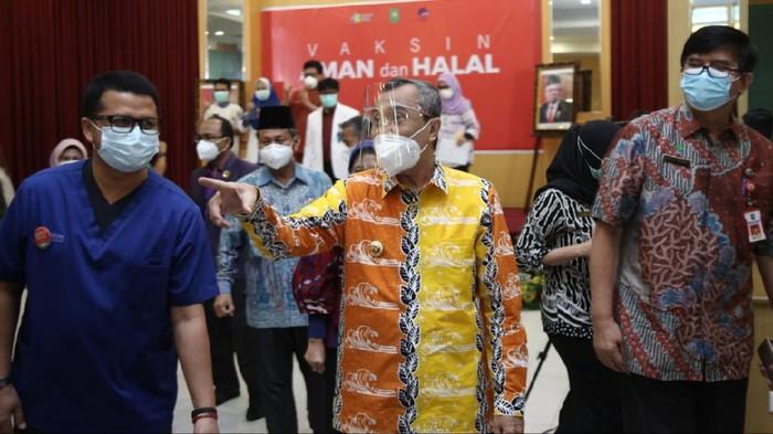 Emosi Gubernur Riau Gara-gara Ustaz Ceramah 'Corona Kerjaan Yahudi', Berikut Kata Beliau