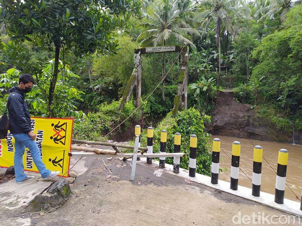 Jembatan di Sungai Elo Magelang Putus Diterjang Banjir