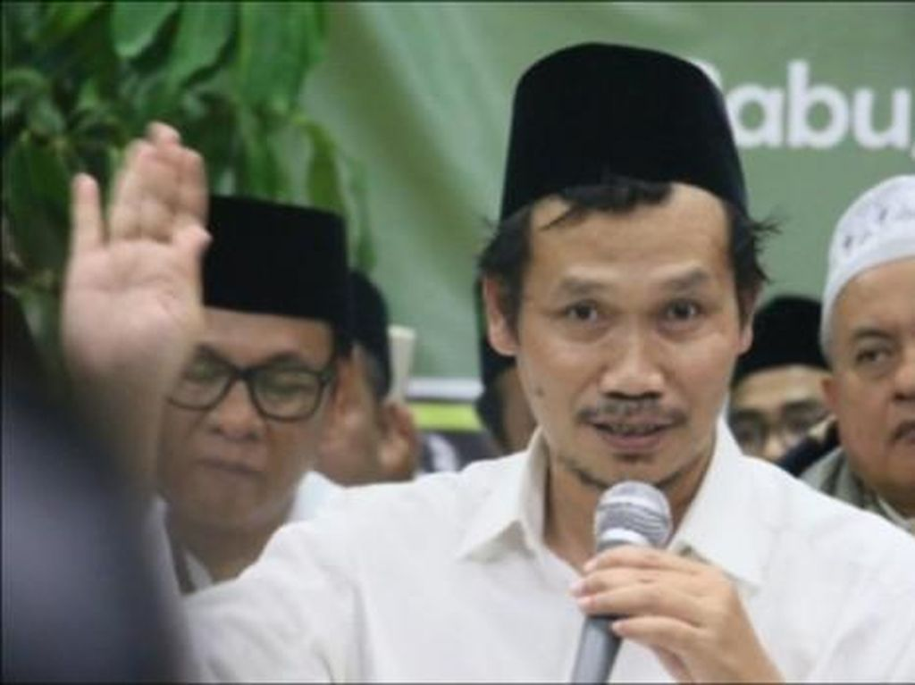 Menikmati Islamnya Gus Baha