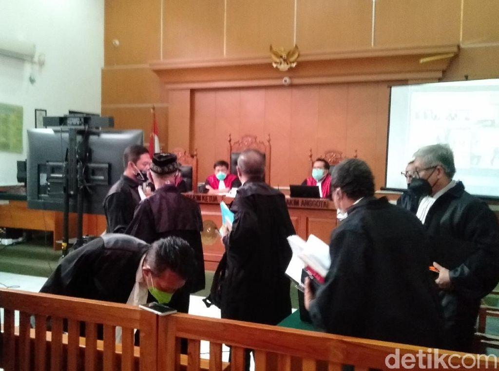 Pengacara Syahganda Akan Lapor MA-KY Jika Saksi Sidang Tetap Hadir Virtual