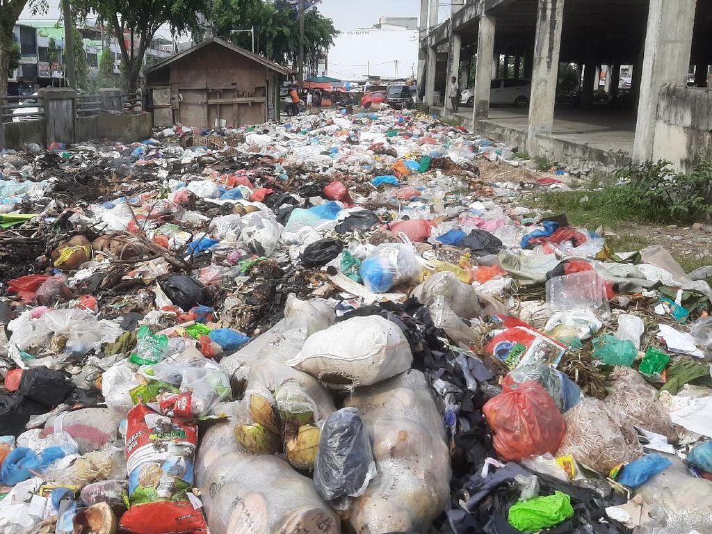 Hilang Posisi Kadis LHK Pekanbaru Kala Urusan Sampah Diusut Polisi