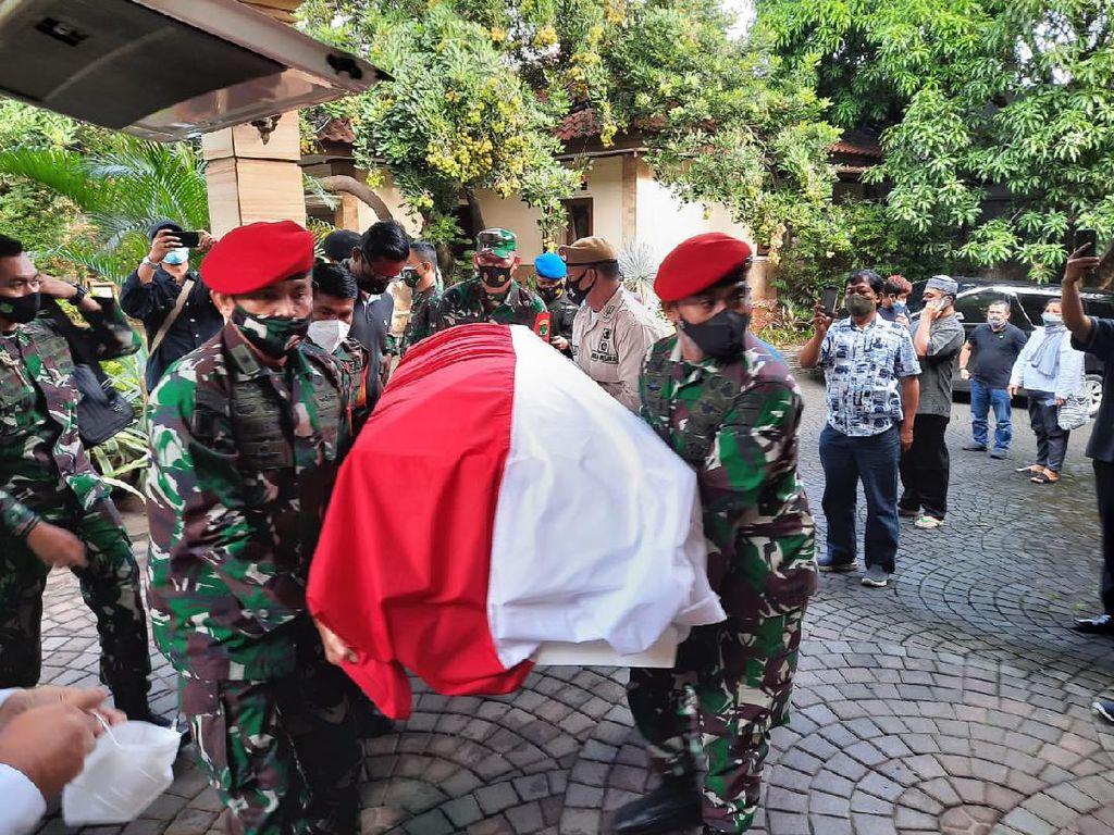 Jenazah Mantan KSAD Wismoyo Arismunandar Dibawa ke Giribangun Solo