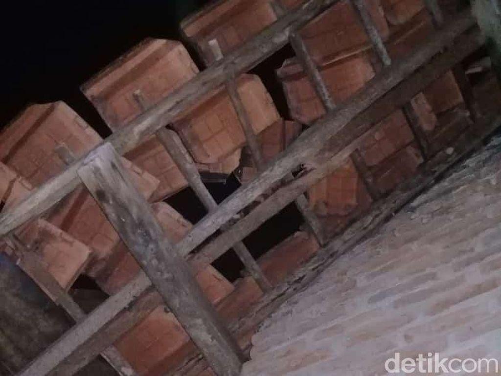 Begini Langkanya Fenomena Meteorit Jatuh Timpa Rumah Warga di Lampung
