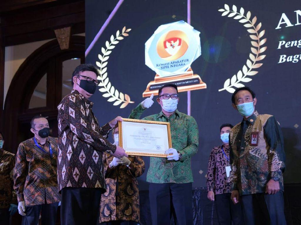 Ridwan Kamil Bawa Jabar Raih Peringkat Tertinggi Anugerah Meritokrasi