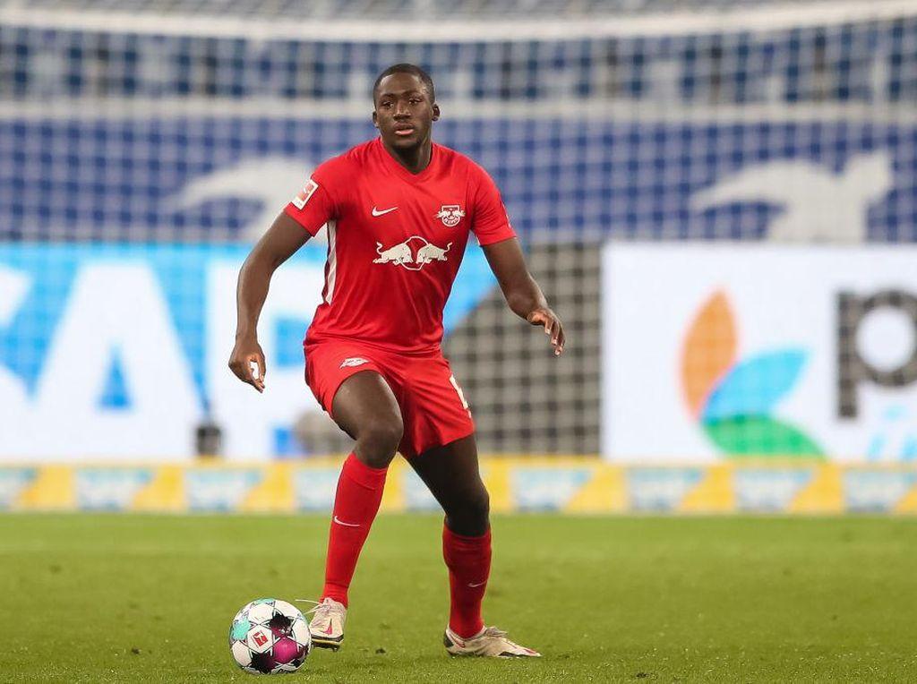 Ibrahima Konate ke Liverpool: YNWA dan Attack on Titan