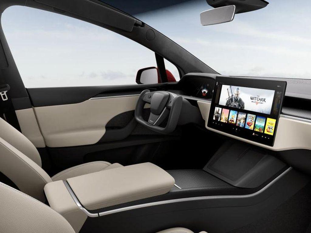 Tesla Pakai Setir Pesawat untuk Mobilnya, Bikin Heboh Netizen dan Ahli