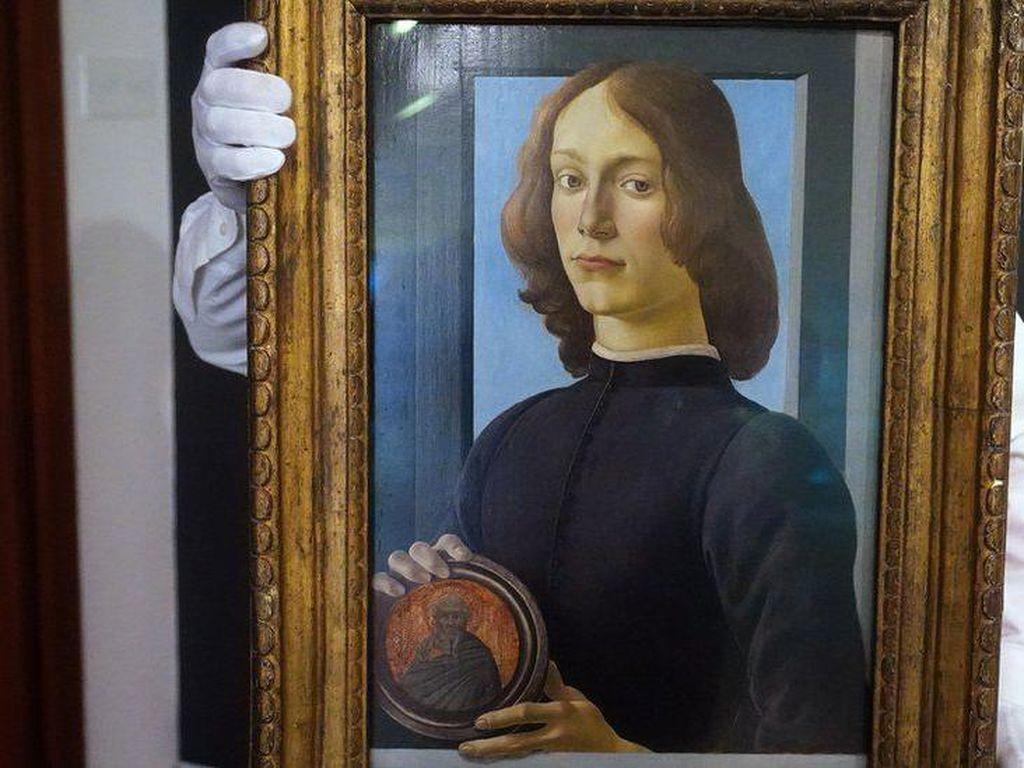 Rekor! Lukisan Remaja Abad ke-14 Ini Dilelang Seharga 1,2 Triliun