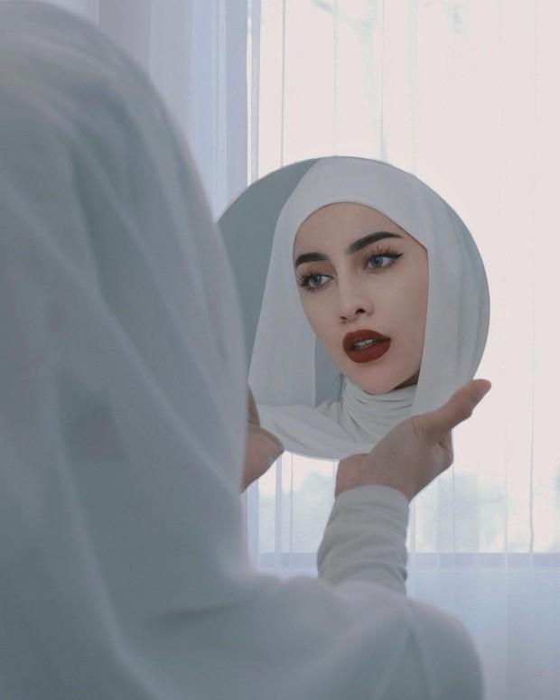 Tips pakai pashmina putih