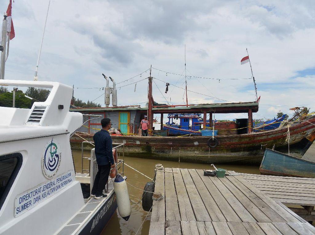 Kapal Ikan Pukat Trawl Ditangkap di Perairan Aceh
