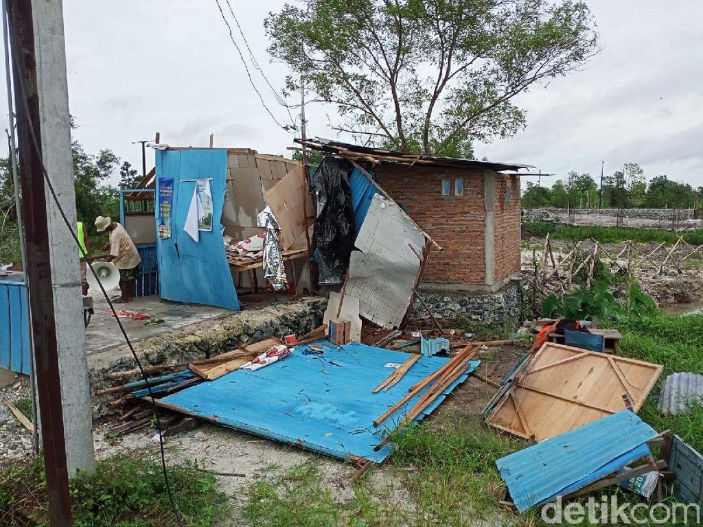 Puting Beliung Terjang Banjarbaru, 2 Warga Luka dan Bangunan Rusak