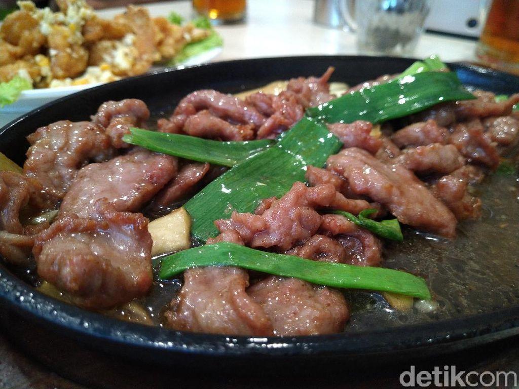Enaknya Sapi Hot Plate dan Udang Telur Asin Ala China di Family Chinese Resto