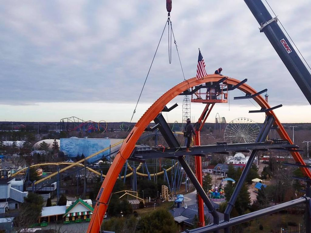 Ini Dia Roller Coaster Single Rail Tertinggi, Terpanjang, dan Tercepat di Dunia