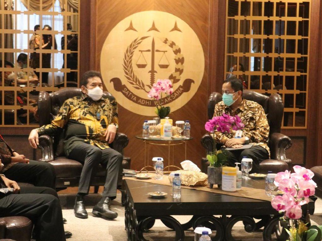 Kepala PPATK Temui Jaksa Agung Beri Dukungan Penelurusan Aliran Korupsi