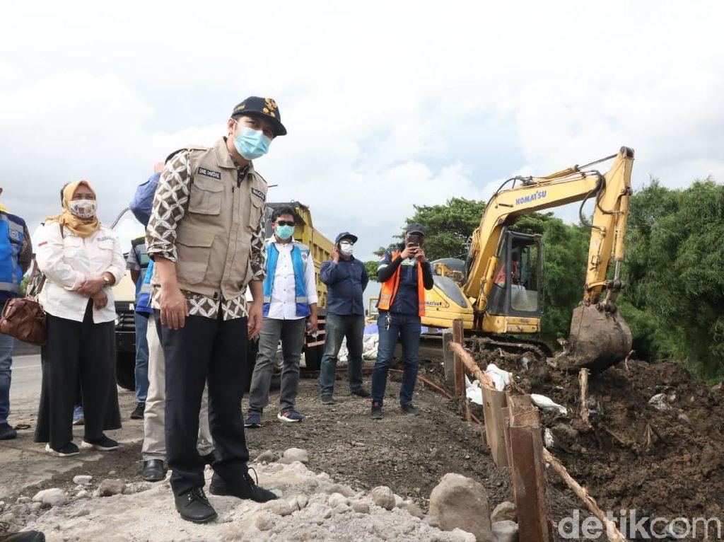 Wagub Emil Harap Perbaikan Longsor Tol Surabaya-Gempol Selesai 9 Hari Lagi