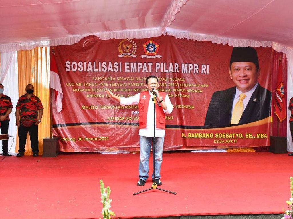 Ekonomi Tersendat, Ketua MPR Harap Vaksinasi Buka Jalan Pemulihan