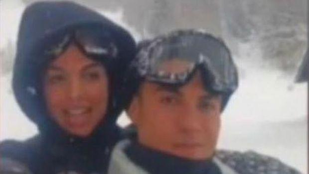 Cristiano Ronaldo dan Georgina Rodriguez diduga melanggar aturan COVID-19 usai mengadakan perjalanan ski ke wilayah rawan virus Corona, Rabu (27/1/2021).