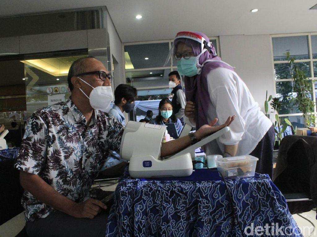 dr Reisa Ingatkan untuk Kontrol Hipertensi Sebelum Vaksinasi