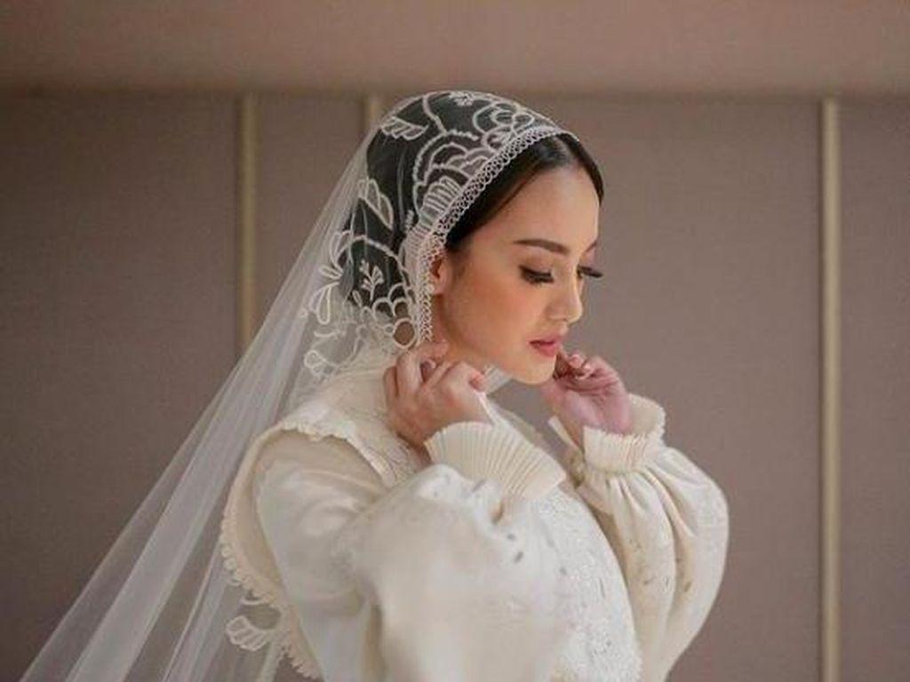 Ririn Ekawati Dinikahi Ibnu Jamil, Ini 8 Penampilan Cantiknya Jadi Pengantin