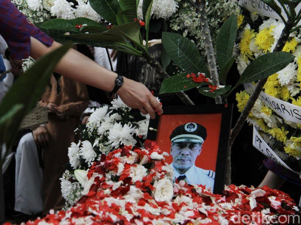 Pramugari Kenang Kapten Afwan Pilot SJ182, Sosok yang Kerap Beri Tausiah