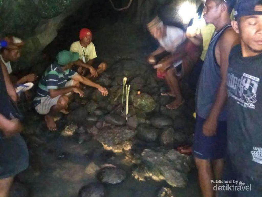 Uniknya Istana Ular di Desa Wisata Galang Manggarai Barat Flores
