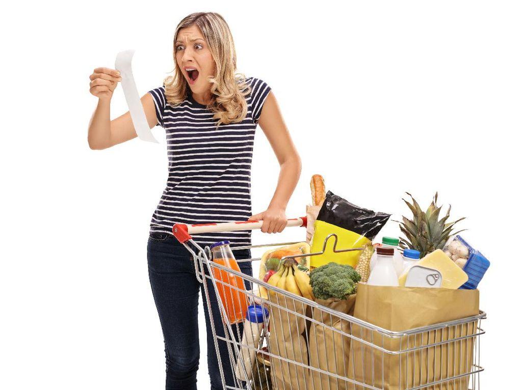 Uang Belanja dari Suami Kurang? Ini Penyebab dan Cara Menyiasatinya