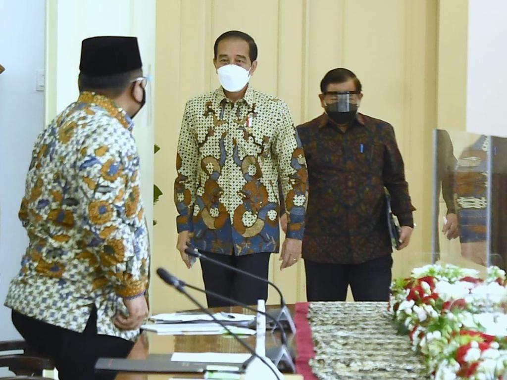 Jokowi Minta Kemenag Libatkan Tokoh Agama dalam Implementasi PPKM