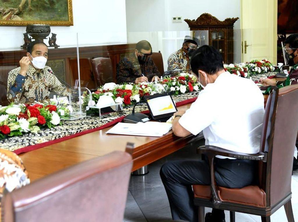 Jokowi Colek Luhut Gegara PPKM Tidak Efektif Tekan Covid-19