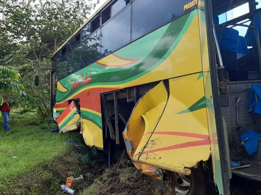 Bus Terperosok di Tol Sidoarjo, 7 Penumpang Luka-luka