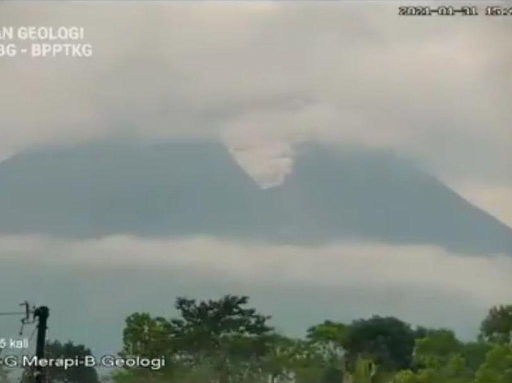 Gunung Merapi Kembali Semburkan Awan Panas Sore Ini