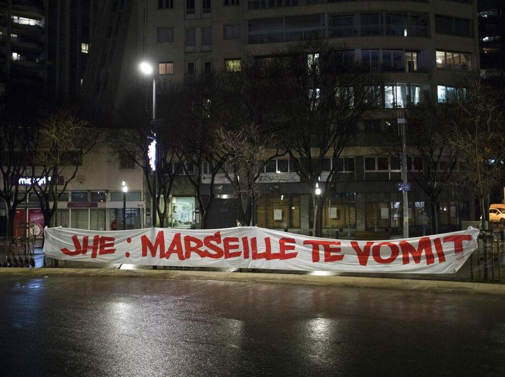 Markas Marseille Diserbu Fans, Laga Kontra Rennes Ditunda
