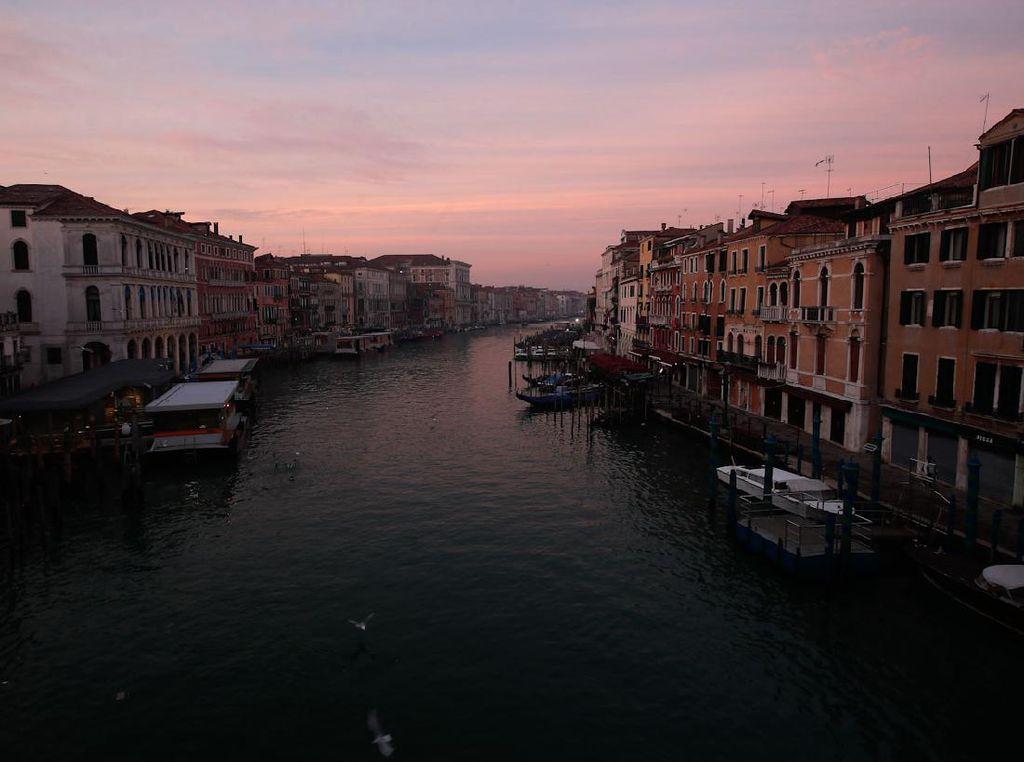 Nasib Karnaval Venesia yang Dibayangi Pandemi Corona