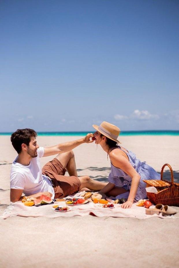 Kencan di pantai merupakan hal paling cocok untuk Cancer.