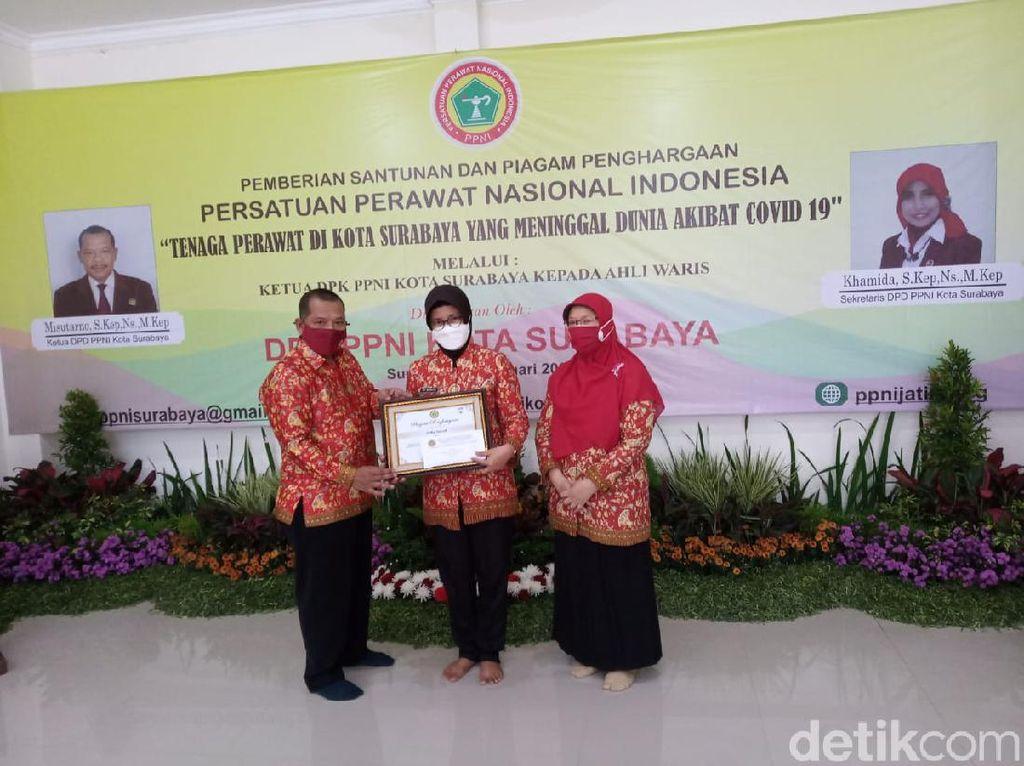 PPNI Surabaya Santuni 6 Perawat yang Meninggal Terpapar COVID-19