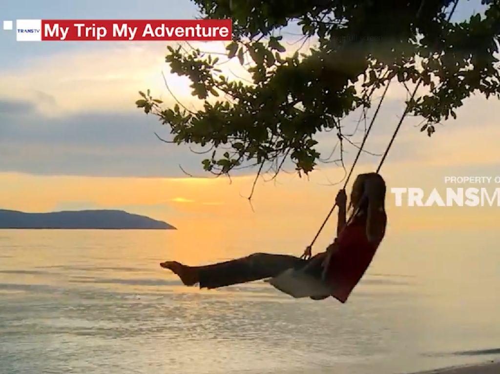 My Trip My Adventure: View Sunset yang Memukau di Pulau Bukabuka