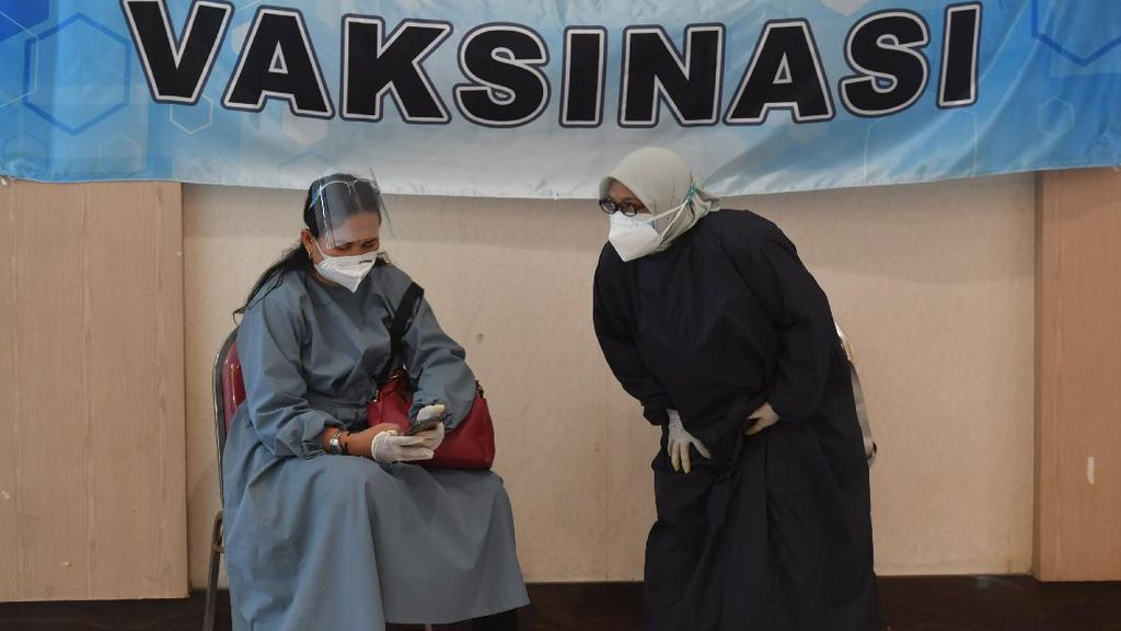 Catat! Jokowi Beri Kompensasi Jika Vaksin Timbulkan Efek Samping