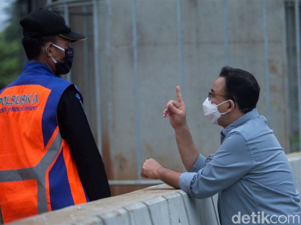 Anies Bantah Angkat Tangan soal Penanganan COVID-19 di Jakarta