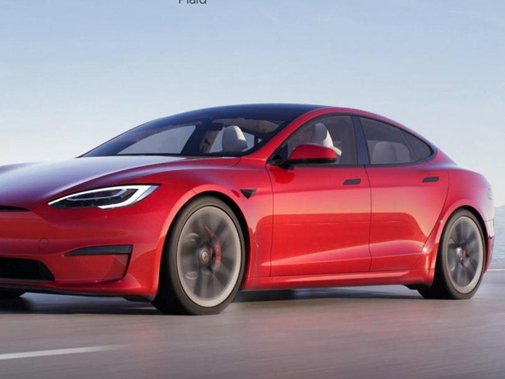 Potret Tesla Model S yang Kian Canggih dengan Setir Pesawat