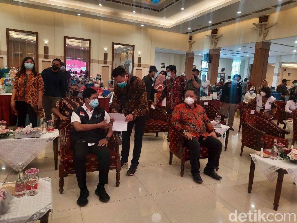 Wamenkes Sebut Surabaya Bisa Jadi Contoh Daerah Lain dalam Vaksinasi COVID-19