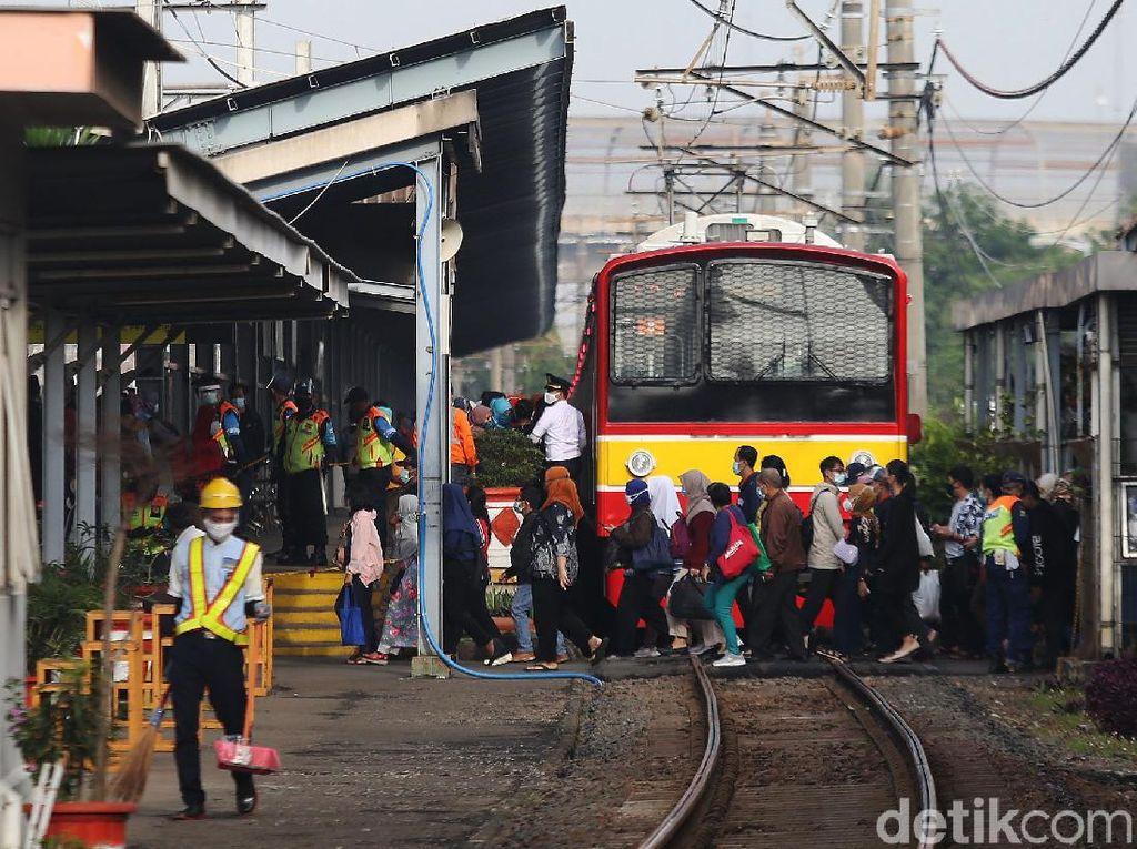 Cara Mengetahui Perubahan Jadwal Kereta di KRL.co.id